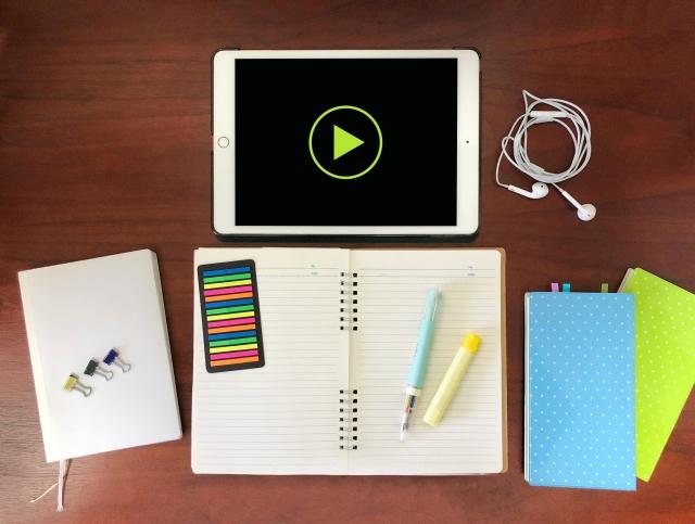 タブレットと筆記用具
